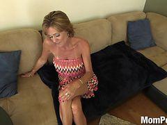 a nude horny woman from Granite Falls, North Carolina